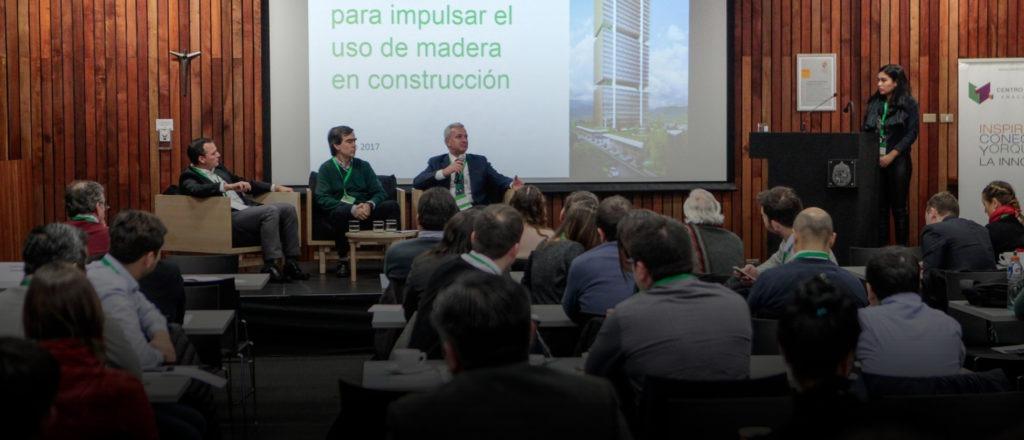"""Arturo Herrera en Centro de Innovación UC: """"Las grandes empresas deben aliarse con emprendimientos"""""""